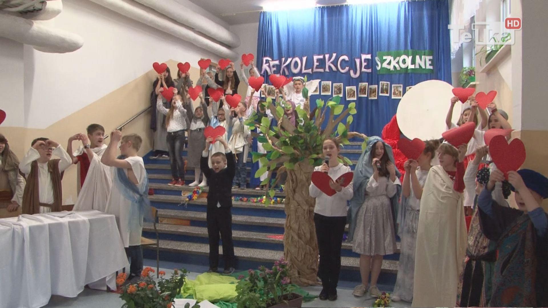 spektakl uczniów