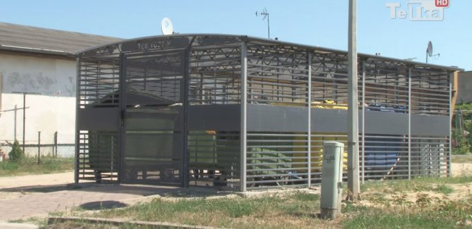 Trzy nowe kojce śmietnikowe pojawiły się na osiedlu Staszica