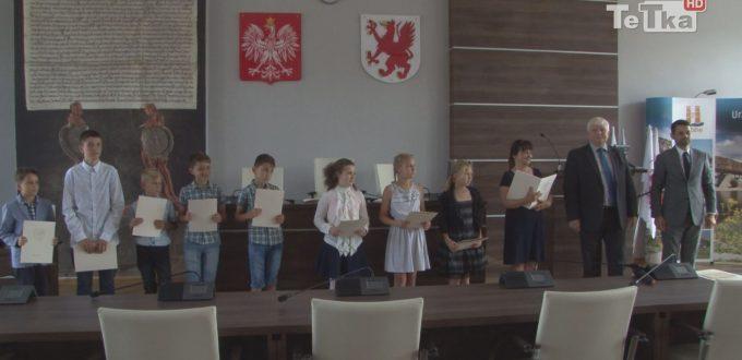 wręczono uczniom nagrody w konkursie ekologicznym