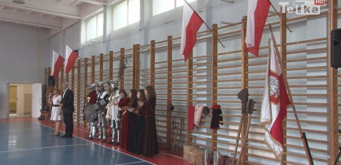 byliśmy na uroczystości związanej z Dniem Polskim w Zespole Szkół Ekonomicznych