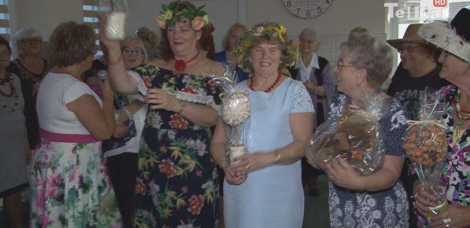 seniorzy bawili się na balu seniora