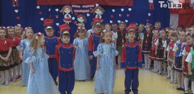 """przedszkolaki z """"Siedmiu Darów"""" śpiewały, tańczyły i recytowały wiersze o niepodległej Polsce"""