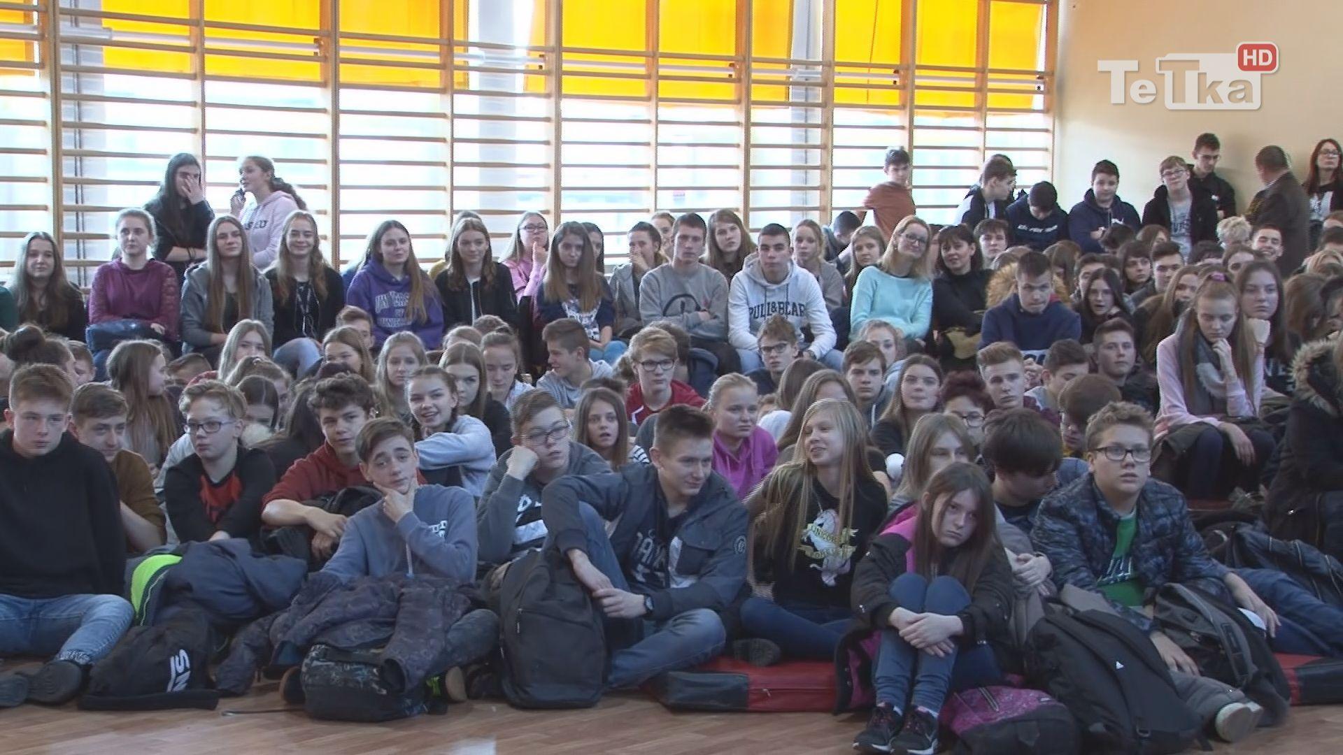 młodzież szkół średnich wzięła udział w targach - Festiwal Kariery