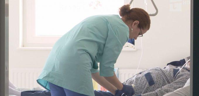 czy przy łóżkach szpitalnych pacjentów może zabraknąć pielęgniarek?