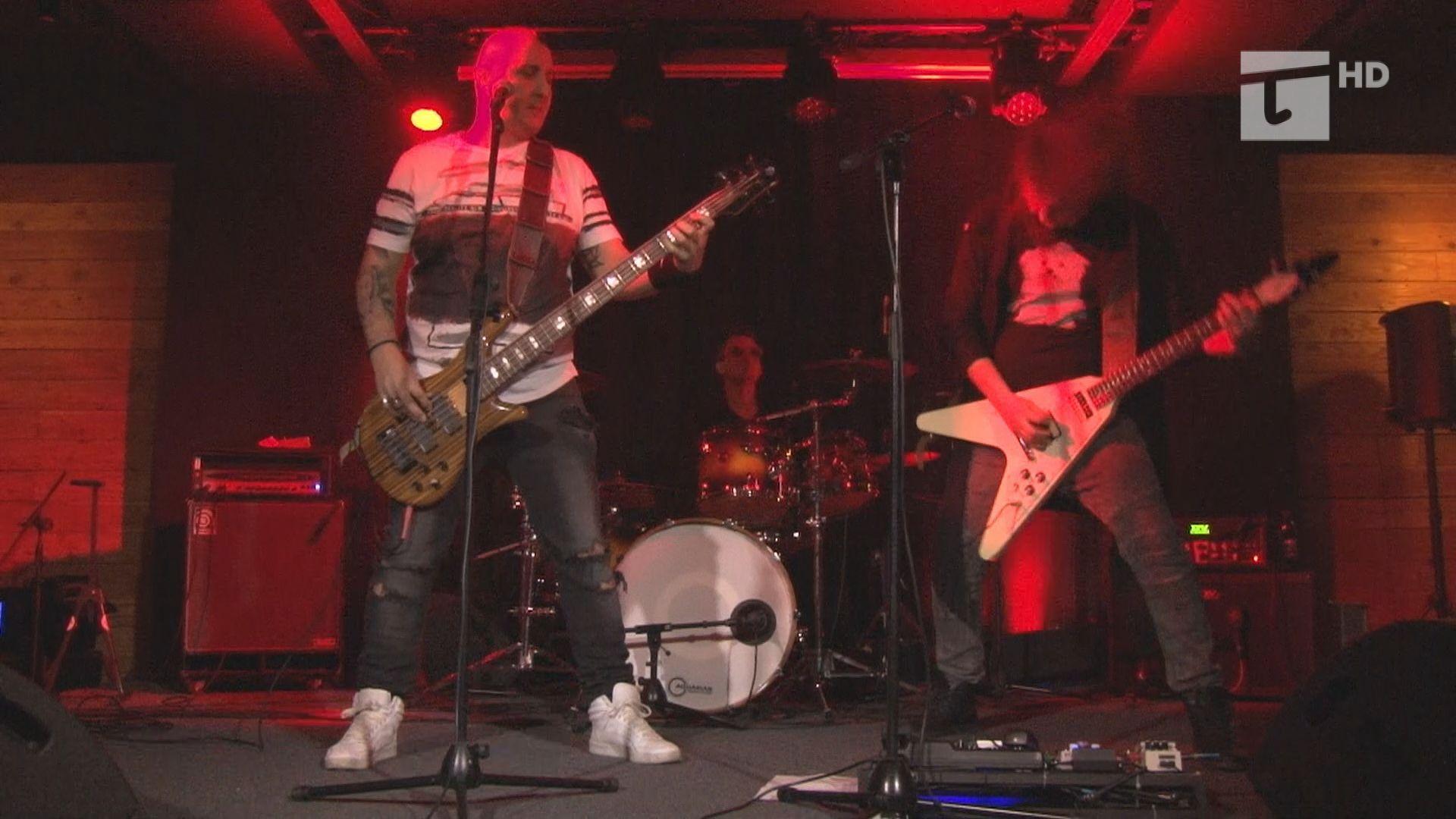 byliśmy z kamerą na rockowym koncercie zespołów Pandemia i Chałturka,