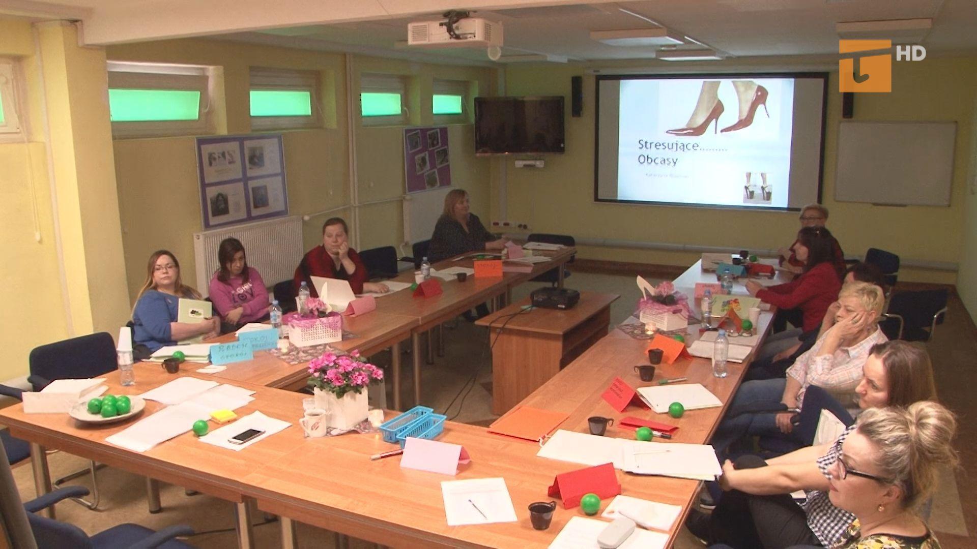 Powiatowy Urząd Pracy prowadzi spotkanie i warsztaty dla kobiet