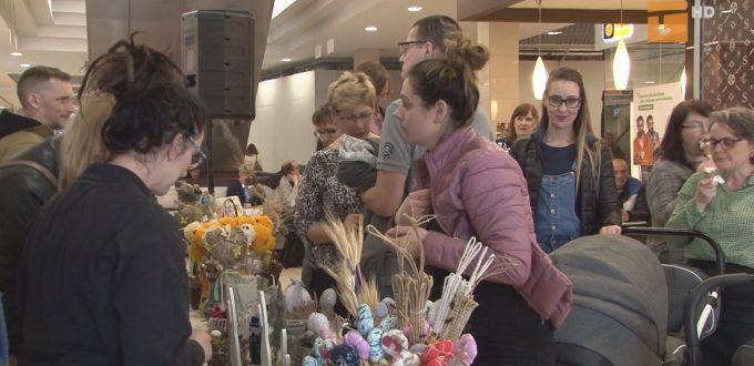 Na Kiermaszu Wielkanocnym można było podziwiać oraz kupić przepiękne ozdoby świąteczne