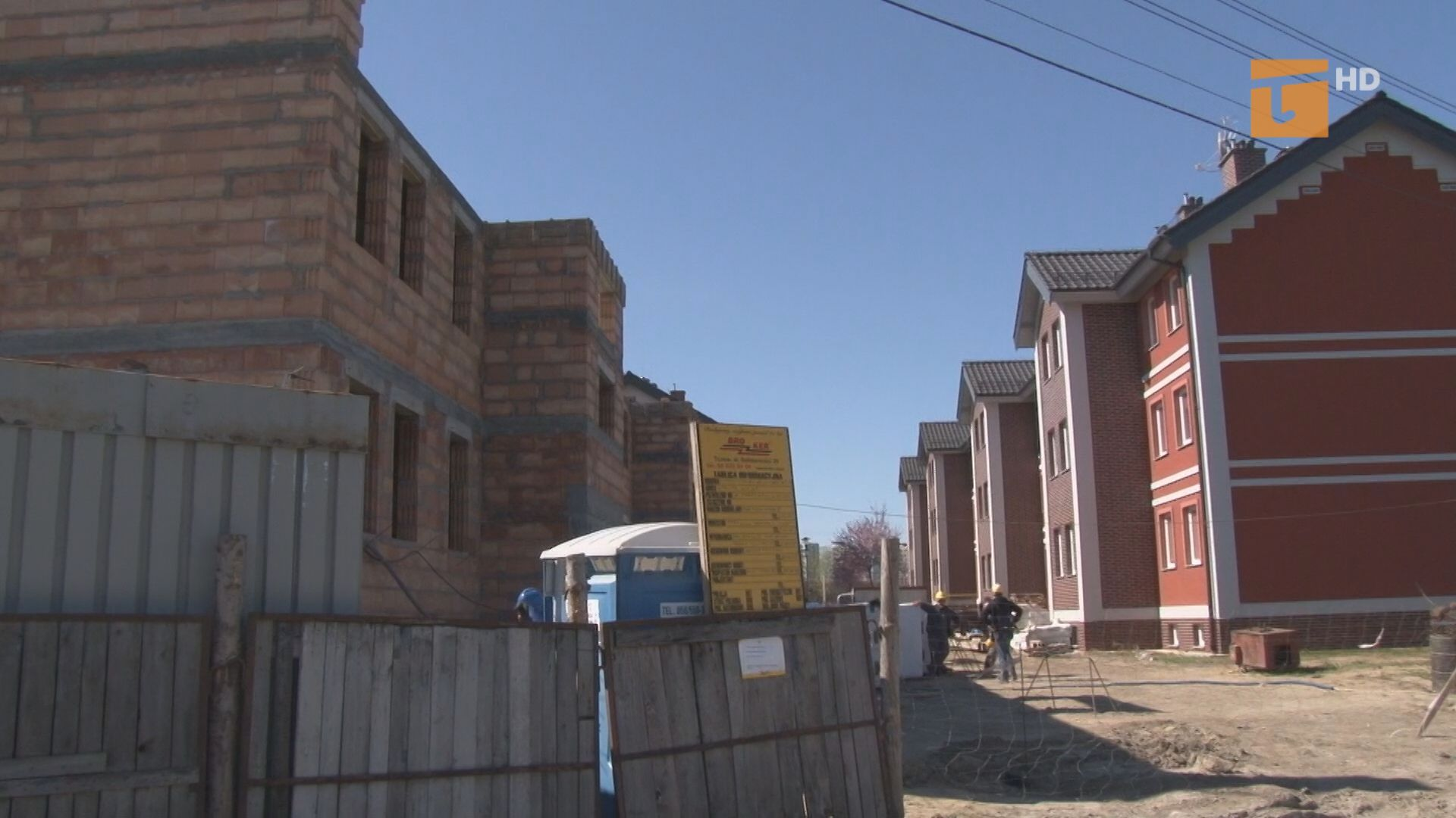 Wiosenna aura pozwoliła wykonawcy zniwelować opóźnienie przy budowie dwóch bloków komunalnych