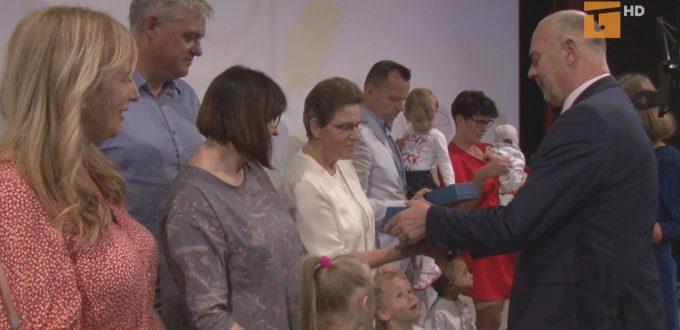 W ubiegłym tygodniu obchodzono jubileusz Powiatowego Centrum Pomocy Rodzinie i Dzień Rodzicielstwa Zastępczego