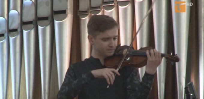 skrzypce i organy