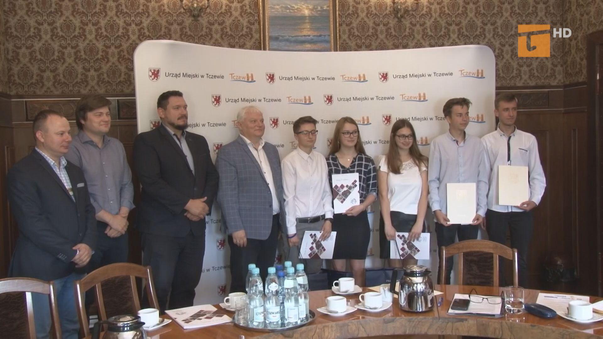 """Po raz kolejny młodzież szkół ponadgimnazjalnych i ponadpodstawowych udział wzięła w miejskim konkursie """"Mój biznesplan"""""""