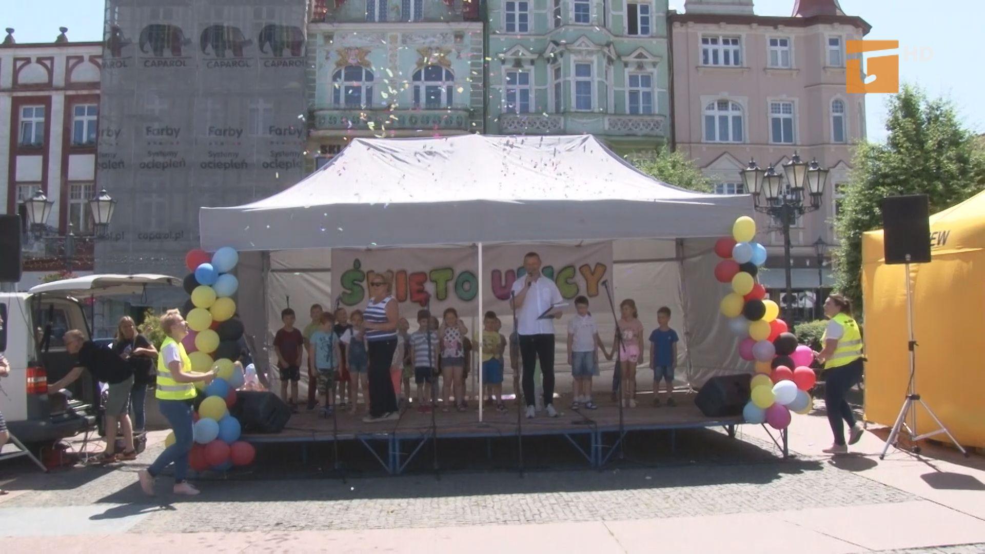 Święto ulicy przebiegło pod znakiem śpiewu i dobrej zabawy