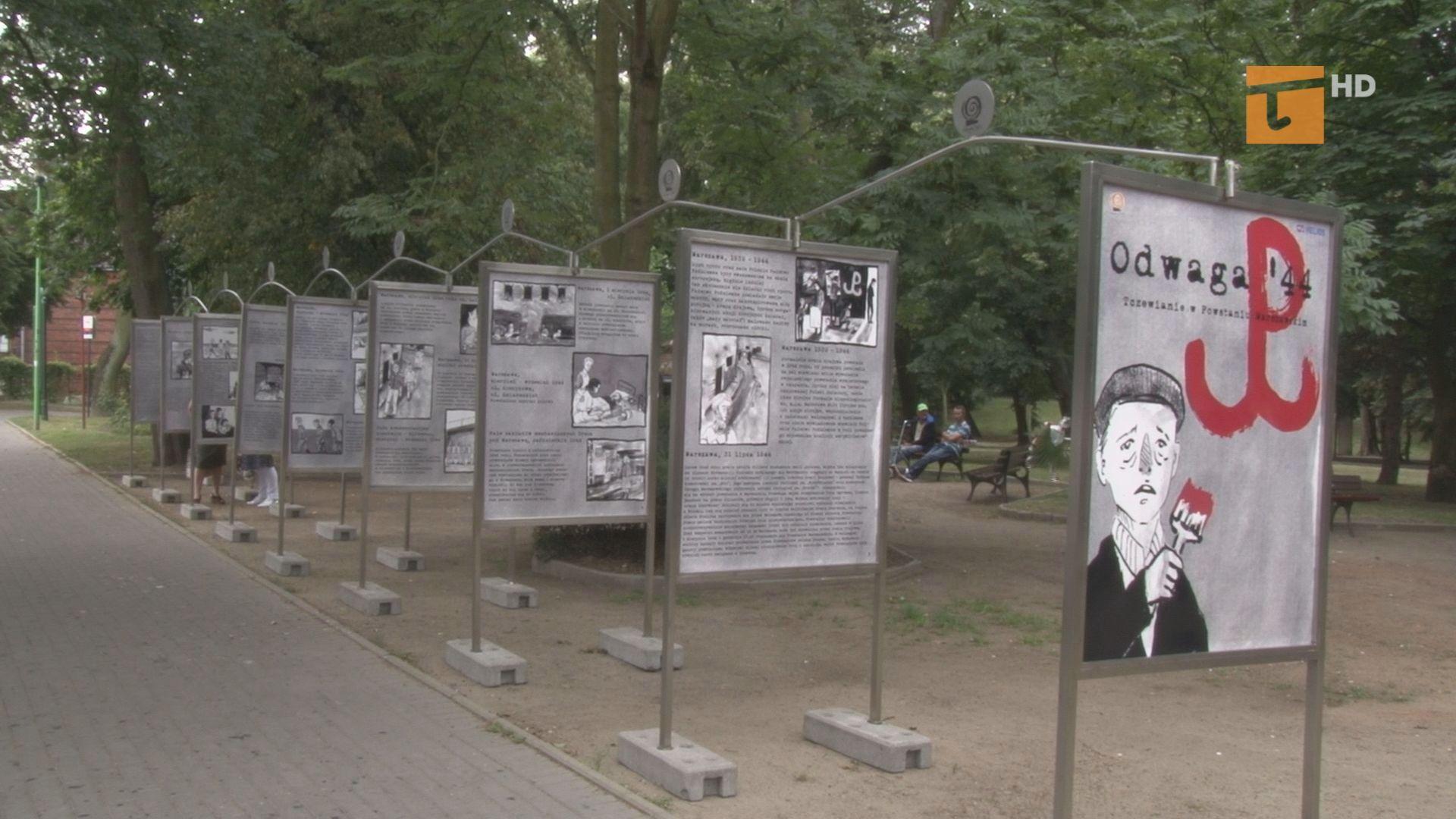 W Parku Kopernika można obejrzeć wystawę plenerową o tczewianach, którzy wzięli udział w Powstaniu Warszawskim