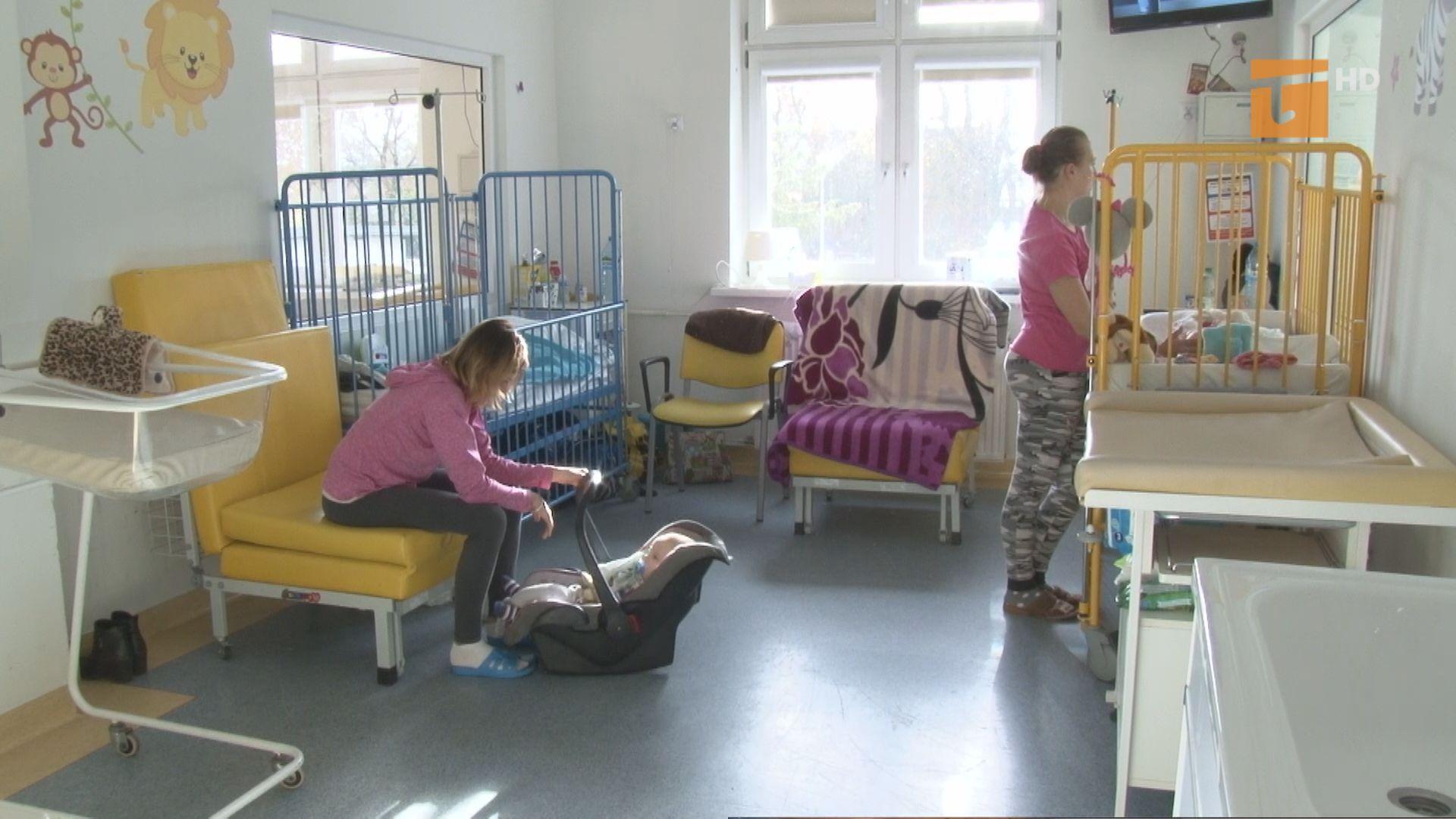 Czy w szpitalu powiatowym w Tczewie dostępne są łóżka dla rodziców hospitalizowanych dzieci?