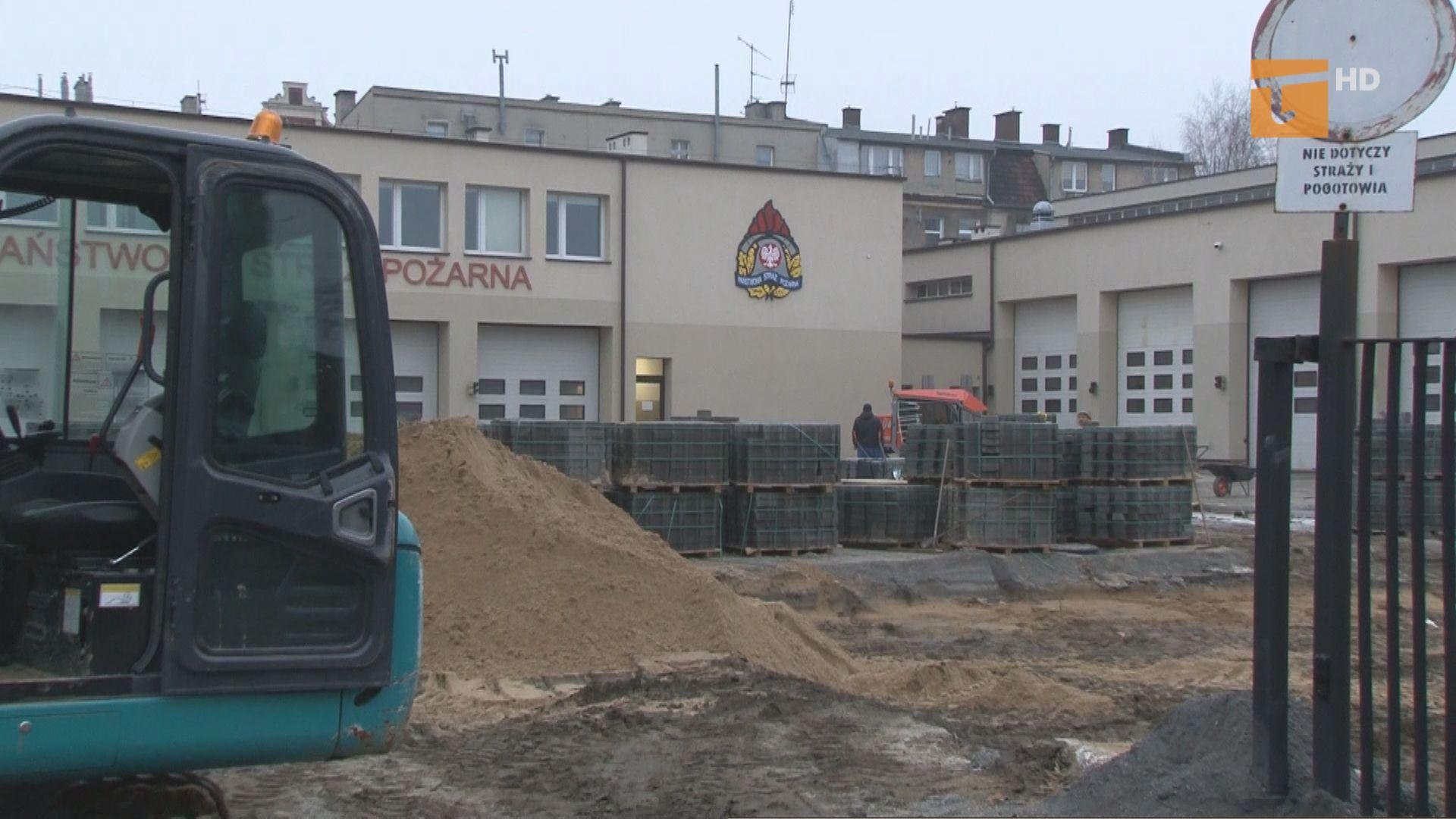 Prace modernizacyjne strażackiego placu manewrowego idą pełną parą
