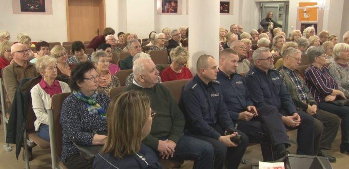 Tematem debaty społecznej, która odbyła się w Centrum Aktywizacji Osób Niepełnosprawny było bezpieczeństwo seniorów