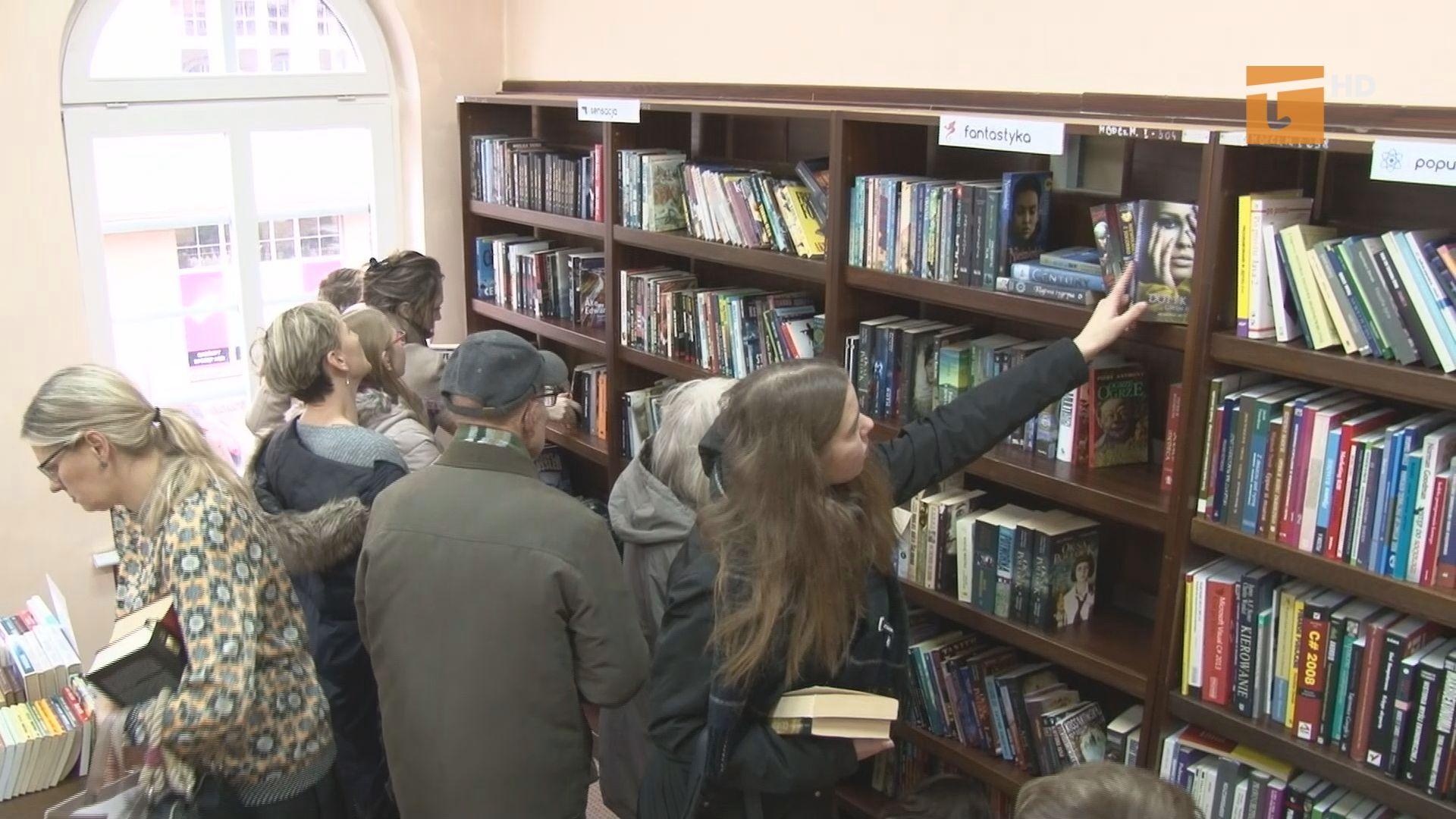 Czytelnicy tczewskiej książnicy już po raz kolejny mieli okazję odświeżenia domowych biblioteczek podczas Wymienialni Książek