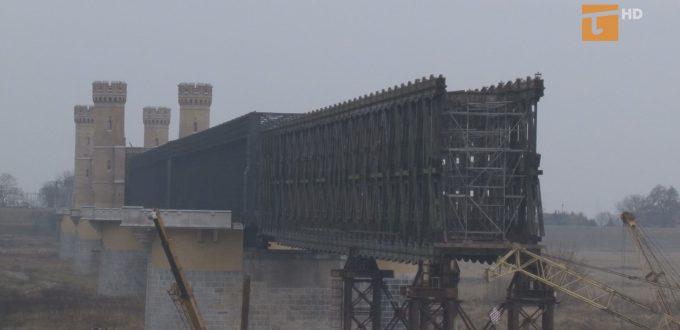 Urzędniczy błąd wstrzymał odbudowę mostu
