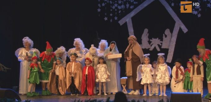 W przeglądzie jasełek bożonarodzeniowych na scenie Centrum Kultury i Sztuki zaprezentowały się osoby niepełnosprawne