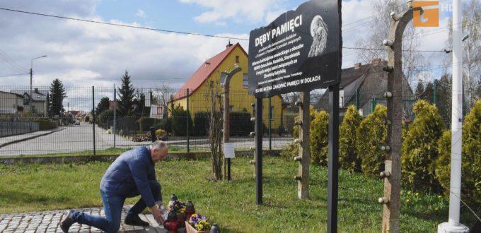 Starosta uczcił ofiary zbrodni katyńskiej