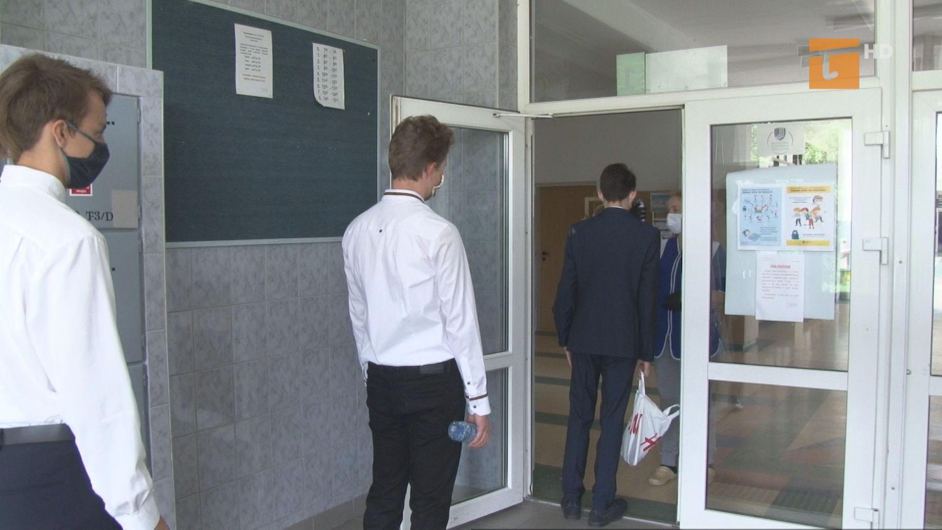 Egzaminy ósmoklasisty odbywają się w reżimie sanitarnym