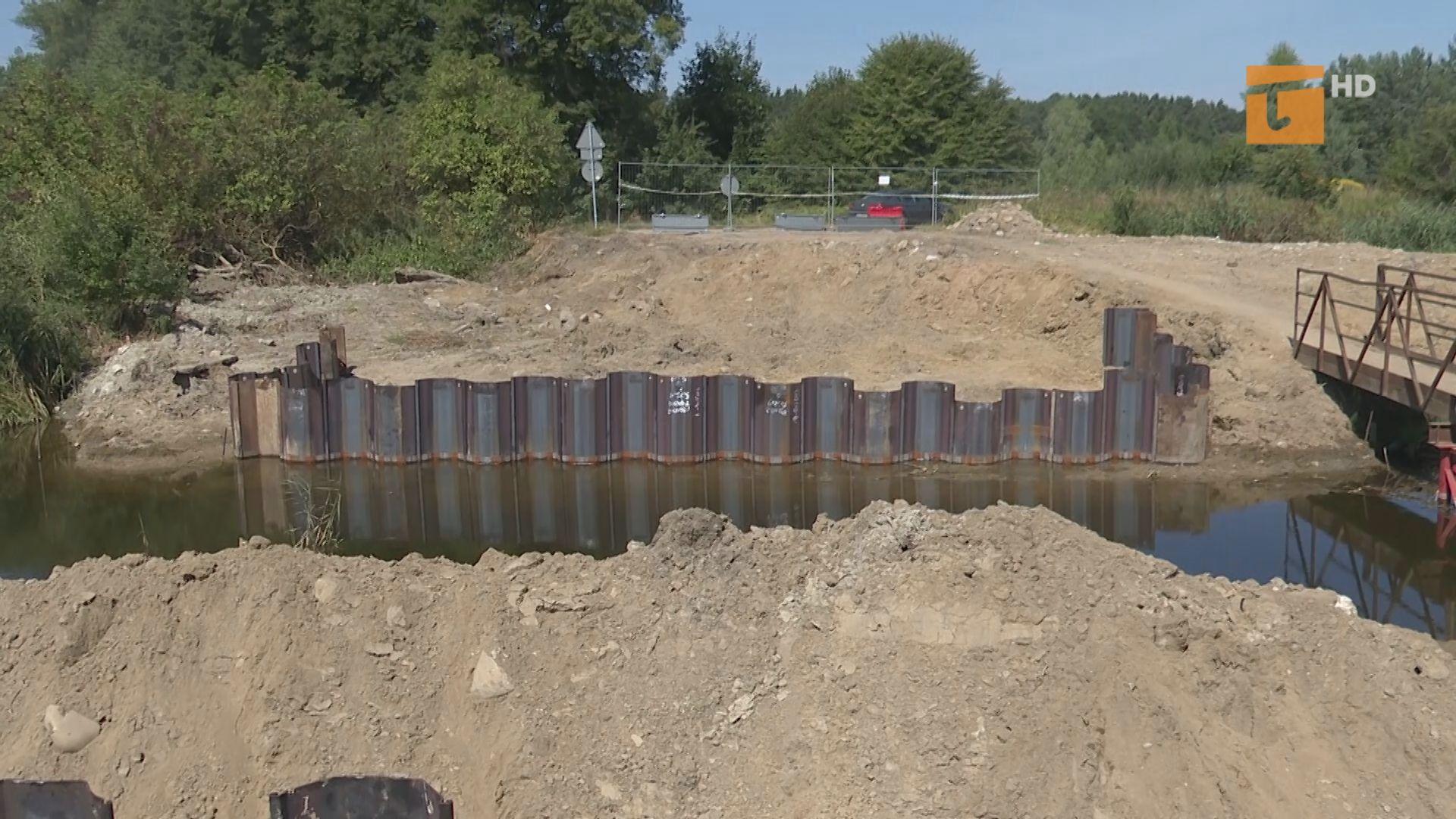 Budują nowy most między jeziorami